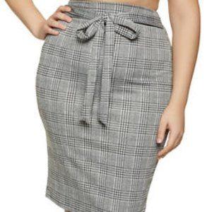 Dresses & Skirts - NEW! Plus Size Knit Plaid Pencil Skirt